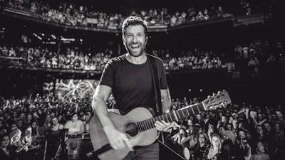 """""""STAY IN THE FIGHT"""": Brett Eldredge opens up about battle with anxiety"""