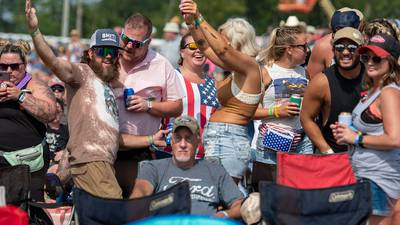 FAN PHOTOS: Friday at Country Concert '21