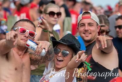 FAN PHOTOS: Thursday at Country Concert '21